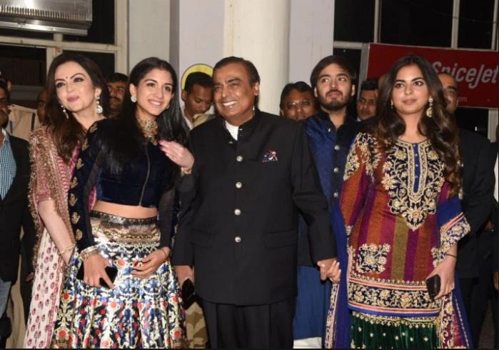 Bollywood Tadka,अनंत अंबानी इमेज,अनंत अंबानी फोटो,अनंत अंबानी पिक्चर,राधिका मर्चेंट इमेज,राधिका मर्चेंट फोटो,राधिका मर्चेंट पिक्चर,