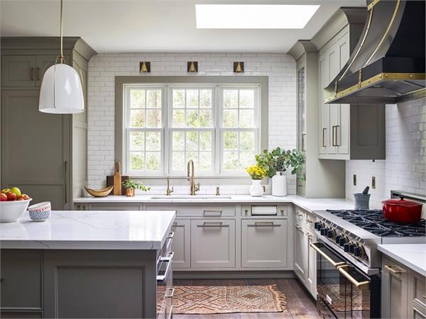 Trend Alert: घर में स्पेस की है कमी तो बनवाएं L Shaped किचन