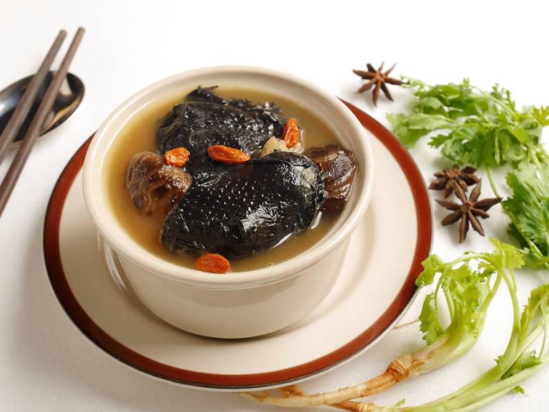 PunjabKesari, Ayam Cemani Black Chicken Image, Exepensive Food Items Image, आयम केमनी ब्लैक चिक इमेज