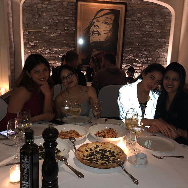 Bollywood Tadkaसारा अली खान इमेज, सारा अली खान फोटो, सारा अली खान पिक्चर