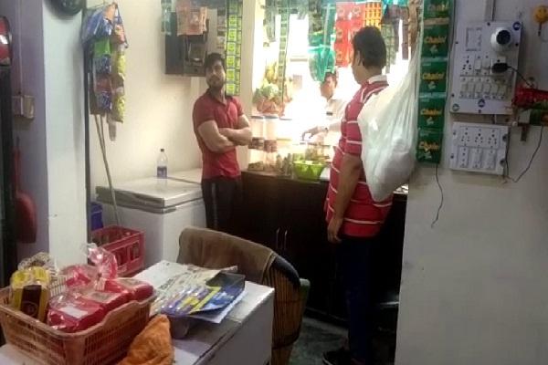 PunjabKesari, stolen, shop, capture, camera