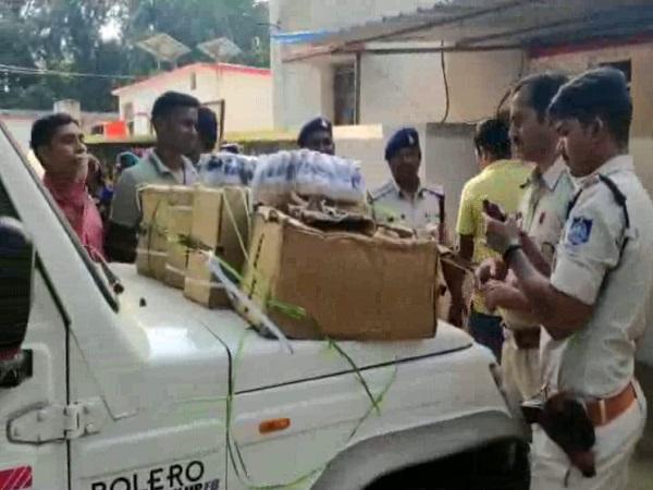 PunjabKesari, Madhya Pradesh News, Singrauli News, Chitrangi Police, illegally supplying medicines, Cuff syrup containing Kodina (Corex), Police, Girpatar, Madhya Pradesh Drug Control Act Act