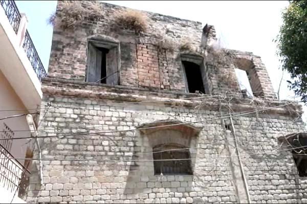 PunjabKesari, Old Building Image