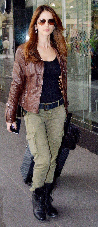 PunjabKesari, leather jacket