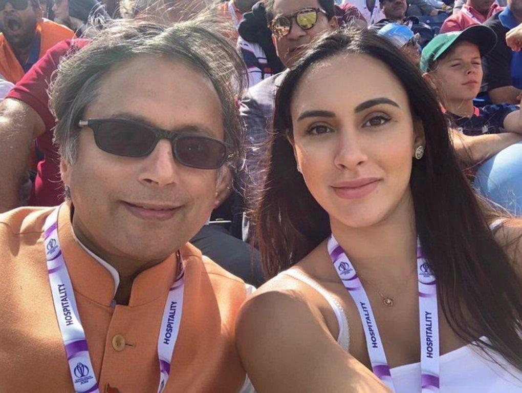 Bollywood Tadka,शशि थरूर इमेज,शशि थरूर फोटो,शशि थरूर पिक्चर,डियाना उप्पल इमेज,डियाना उप्पल फोटो,डियाना उप्पल पिक्चर
