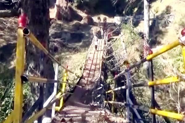 PunjabKesari, Damage Bridge Image