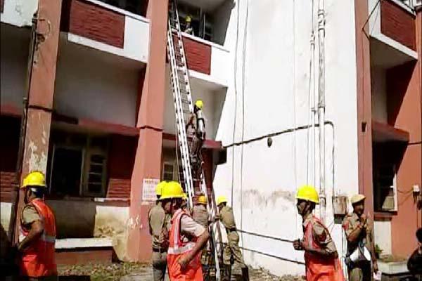 PunjabKesari, Mock Drill Image