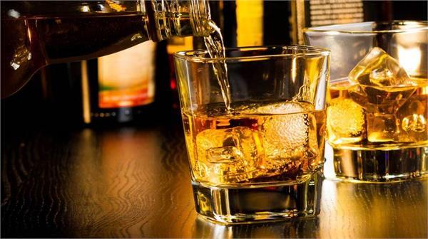 PunjabKesari, Nari, alcohol imges