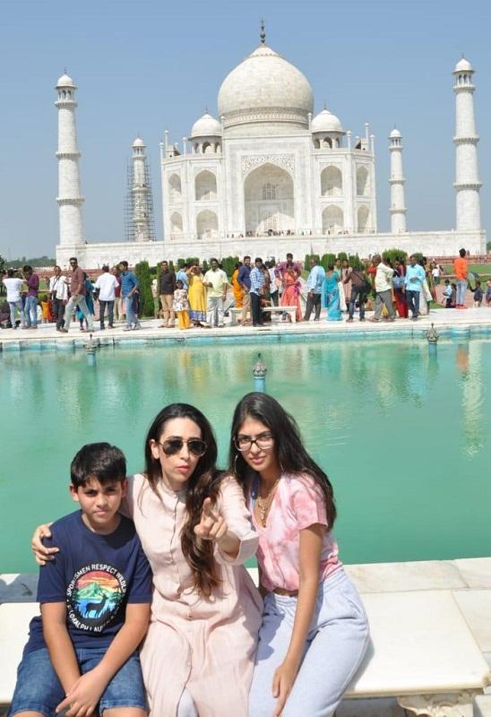 Bollywood Tadka, Karishma Kapoor Images