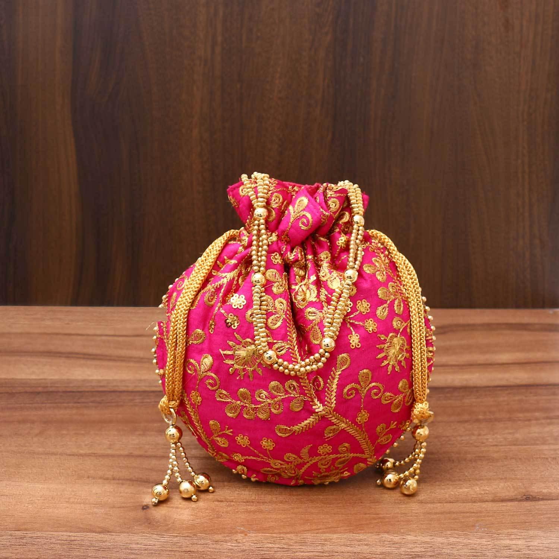 PunjabKesari,Beautiful Potli Bag Design Image, ब्यूटीफुल पोटली बैग डिजाइनइमेज