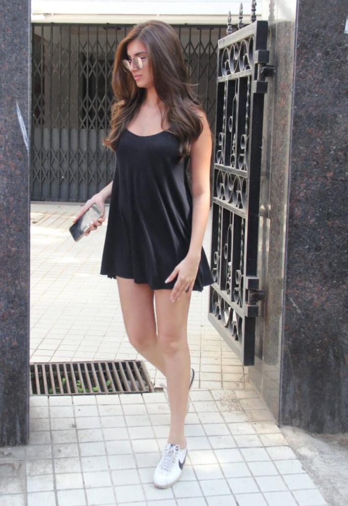 Bollywood Tadkaतारा सुतारिया इमेज, तारा सुतारिया फोटो, तारा सुतारिया पिक्चर
