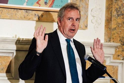 sir kim darroch has resigned as the uk s ambassador