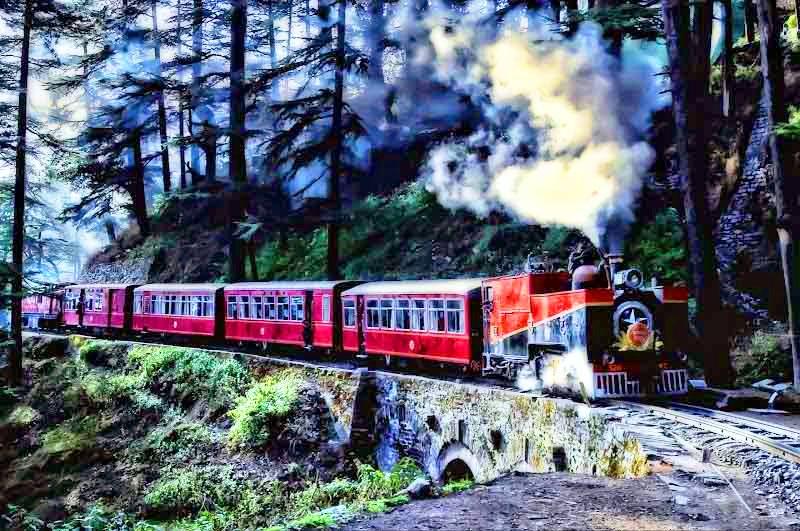 PunjabKesari, Nari, Toy train Image, Kalka-Shimla Toy Train image