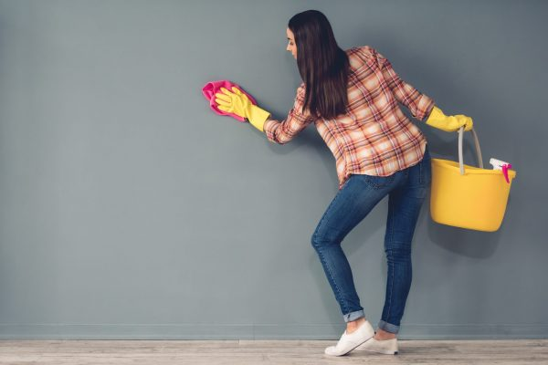 How to clean the walls