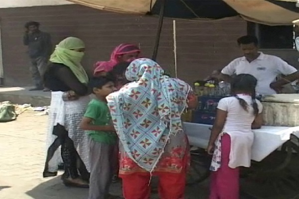 PunjabKesari, North, Heat, India, People, Sweating