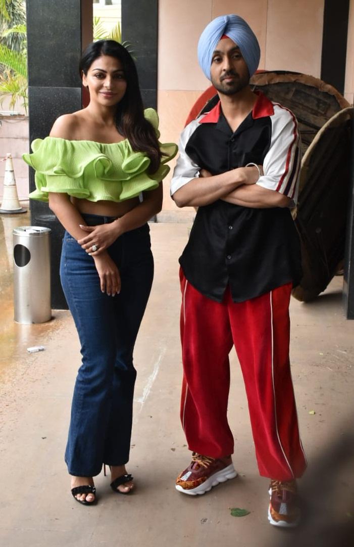 Bollywood Tadka, नीरू बाजवा इमेज,नीरू बाजवा फोटो,नीरू बाजवा पिक्चर,