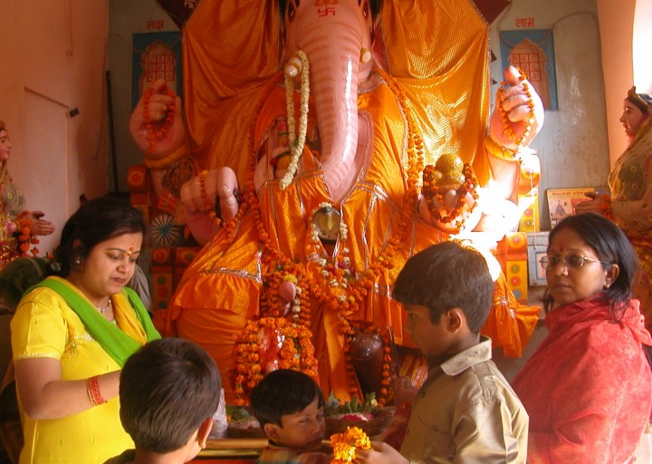 PunjabKesari, Ganesh Chaturthi 2020, Ganesh Chaturthi, गणेश चतुर्थी, Sri Ganesha, indore bada ganpati, indore bada ganpati mandir, Lord Ganesha, Indore Ganpati Temple, Badha Ganpati Temple, बड़ा गणपति मंदिर, Hindu Teerth Sthal, Religious Place In India