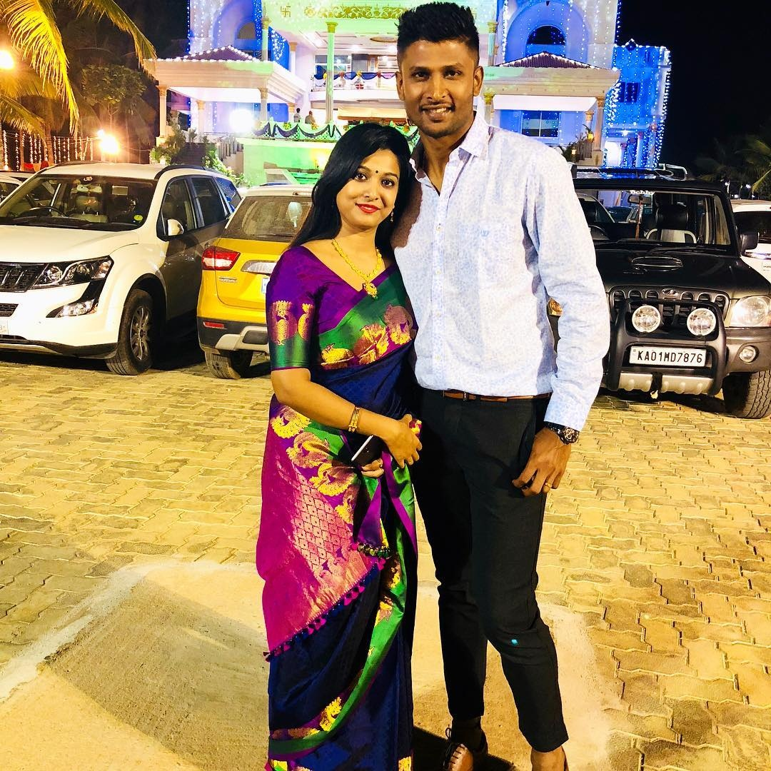 Gautham flirted with girlfriend after given Magicly performing in T20 match