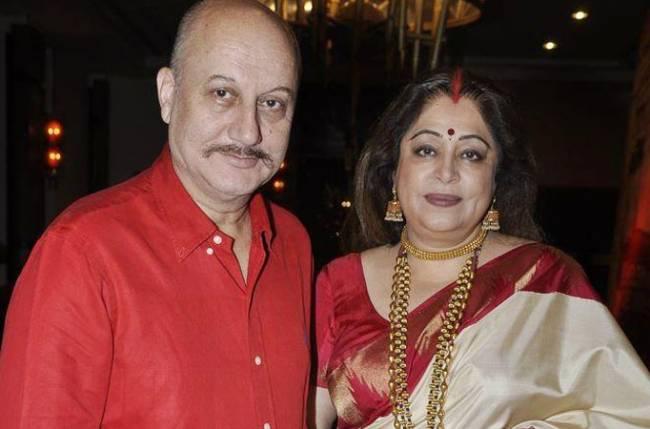 अनुपम-किरण की शादी को हुए 34 साल, लवमैरिज तो रही सफल लेकिन महसूस करते हैं  आज भी एक कमी - know-love-story-of-anupam-kher-kirron-kher - Nari Punjab  Kesari