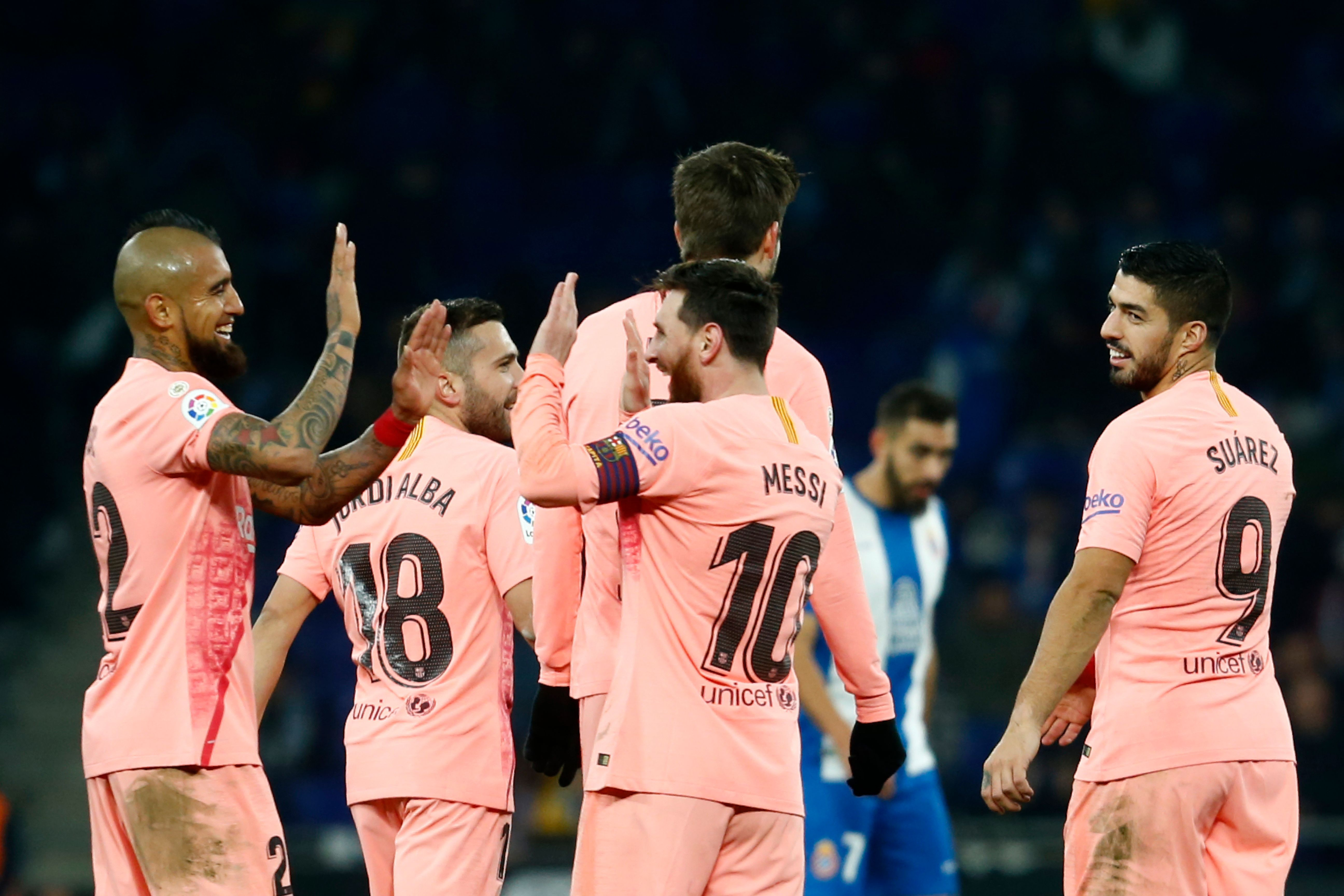 sports news, Football news in hindi, La Liga, Messi, star of Barcelona's victory, 2 free kicks, first time in a match