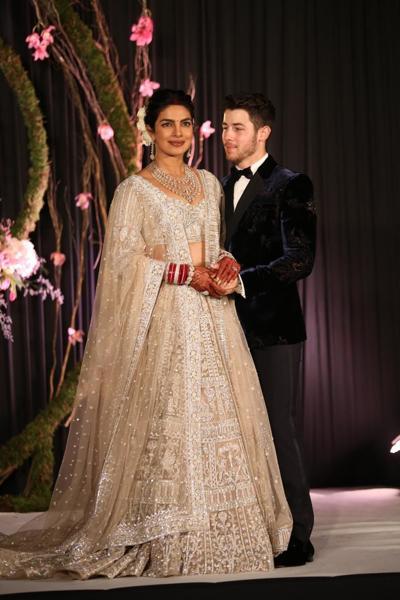 PunjabKesari, Priyanka Chopra Reception Dress, White wedding dress, Nari