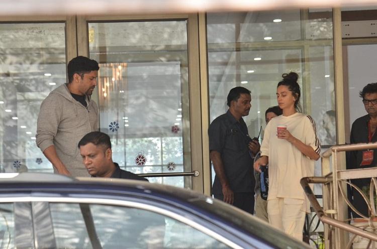 Bollywood Tadka, Farhan Akhter Shibani Dandekar images, Farhan Akhter Shibani Dandekar Pictures, Farhan Akhter Shibani Dandekar Photos