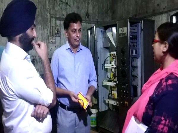 PunjabKesari, Police administration, food department, collector, raids, raid in private company, company seal, Narsimhapur, Gadarwara, Punjab kesari