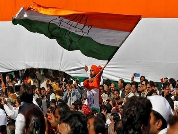 PunjabKesari, Madhya Pardesh Hindi News,ShivpuriHindi News,ShivpuriHindi Samachar, Jyotiraditya scindia,Reprimanded, Collector, Farmer Ajeeta