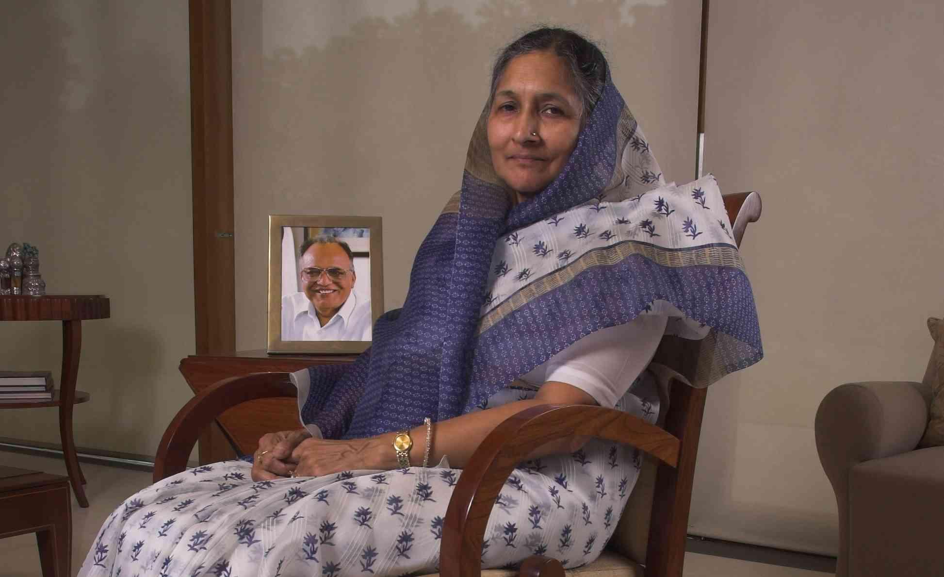 PunjabKesari, Savitri Jindle
