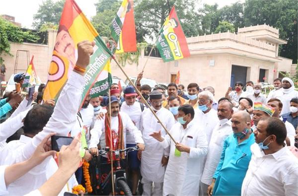 praspa batch left for delhi for unemployed shivpal said huge unemployment