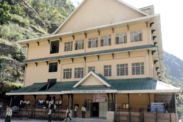 PunjabKesari, School Building Image