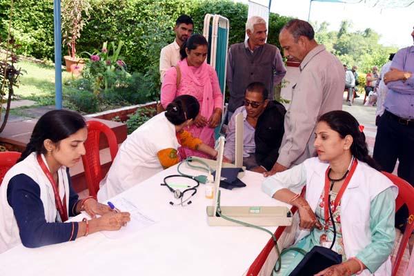 PunjabKesari, Health Camp Image