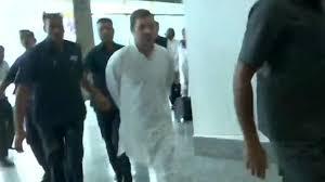 rahul gandhi sent back to delhi from srinagar
