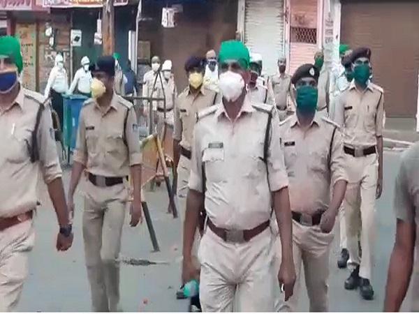 PunjabKesari, Madhya Pradesh, Katni, Lockdown, Corona, Quarantine, Social Distancing, Police, Flag March