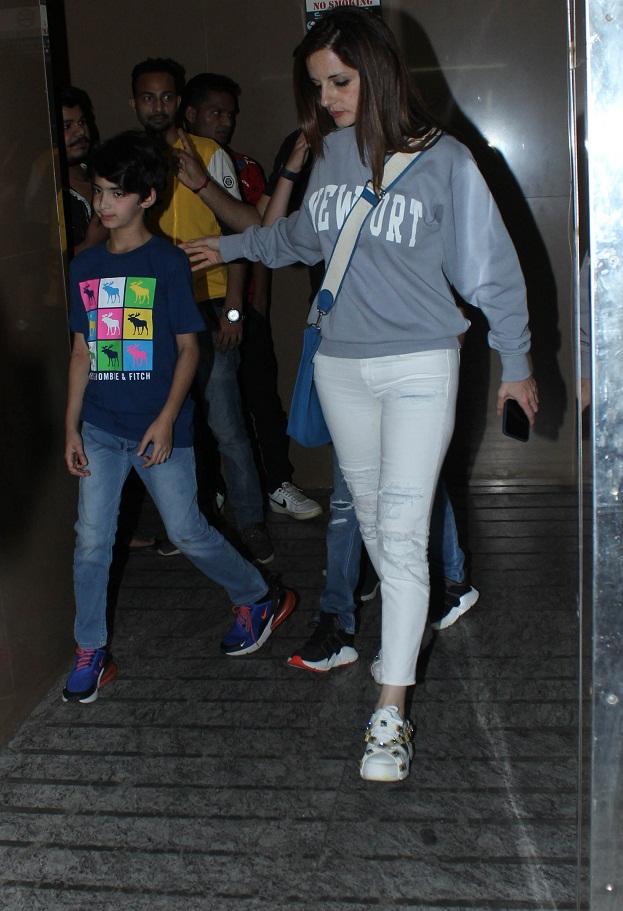 Bollywood Tadka, ऋतिक रोशन इमेज, ऋतिक रोशन फोटो, ऋतिक रोशन पिक्चर, सुजैन खान इमेज, सुजैन खान फोटो, सुजैन खान पिक्चर