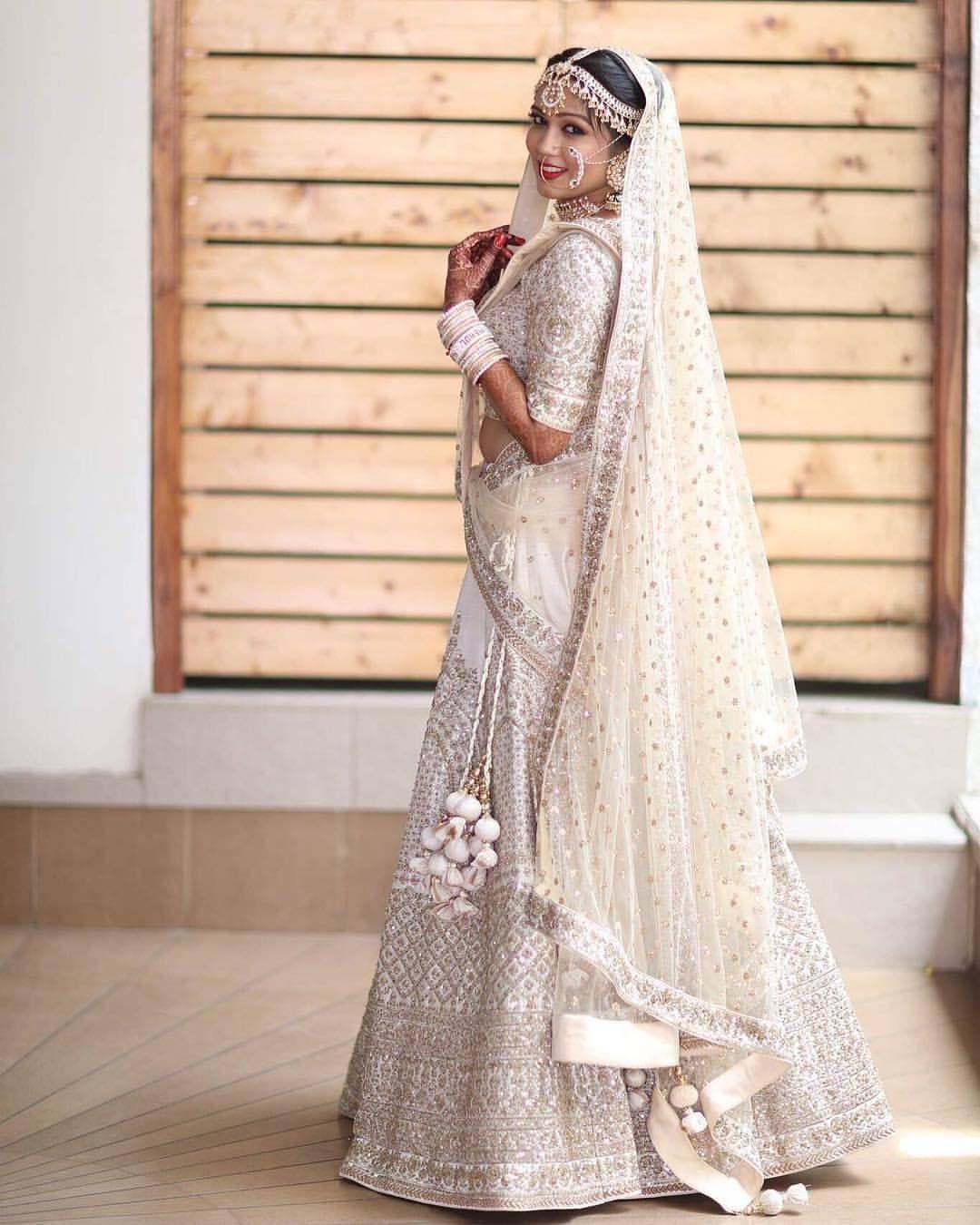 PunjabKesari, white wedding lehenga Image