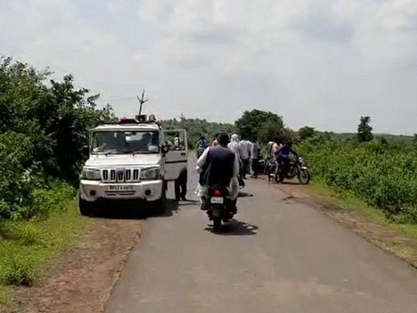 PunjabKesari, Madhya Pradesh, Sanchi, 3 died, Road Accident, Tractor, Bike