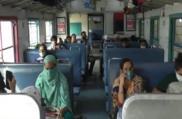 PunjabKesari,Madhya Pradesh, Indore, Railways, Mail Express, Fare, Ratlam, Corona