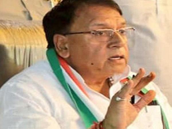 PunjabKesari, Madhya Pradesh News, BJP, Sadhvi Pragya accused of Congress, Sadhvi Pragya, Congress, Yoga Day