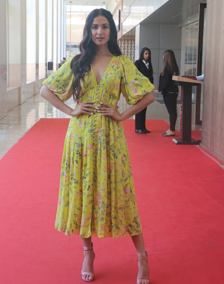 Bollywood Tadkaसोनल चौहान इमेज, सोनल चौहान फोटो, सोनल चौहान पिक्चर
