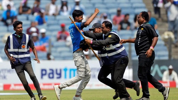 Security personnel are not there to watch the match for free : Gavaskar