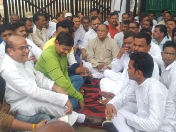PunjabKesari, Madhya Pradesh News, Bhopal News, Congress MLA Laxman Singh, Digvijay Singh, Chachauda district, demand for district making, Congress