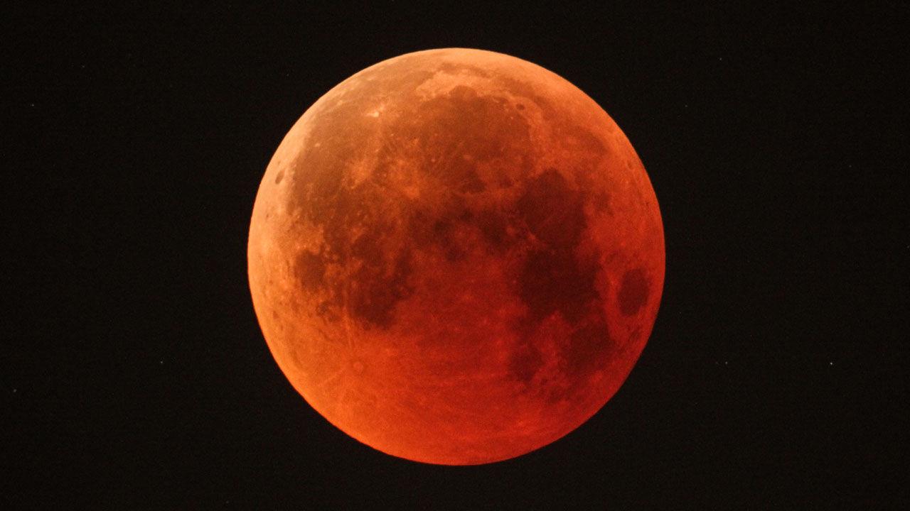 PunjabKesari, Lunar eclipse, 2020 Last Lunar eclipse,  2020 Lunar eclipse, Lunar eclipse, next lunar eclipse,  30th November lunar eclipse, Gurmeet Bedi, Astrologer  Gurmeet Bedi, Jyotish Gyan, Astrology in hindi, Jyotish Shastra
