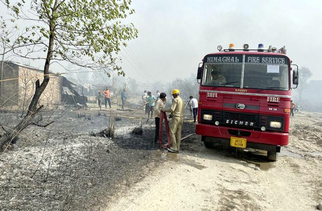 PunjabKesari, Fire Brigade Team Image