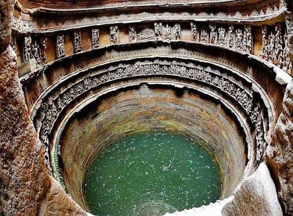 रानी की यह ऐतिहासिक वाव है बहुत खास, जानें इसकी खूबियां -  beautiful-historical-place-of-rani-ki-vav - Nari Punjab Kesari