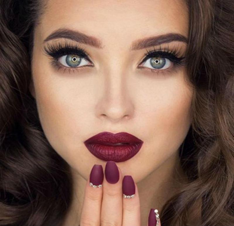 PunjabKesari, Nari, Port wine lip and bold brows, New year party makeup