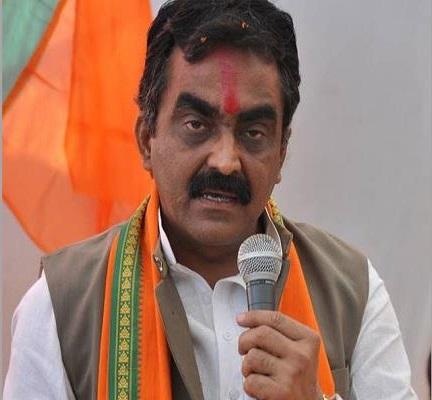 PunjabKesari,Madhya Pardesh Hindi News, Bhopal Hindi News,Bhopal Hindi Samachar, BJP, Rakesh Singh, Attack, Digvijaya singh, Congress, Resarvation, Unreserved, PM Modi