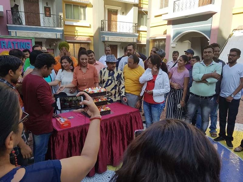 Bollywood Tadka,तारक मेहता का उल्टा चश्मा टीम इमेज,तारक मेहता का उल्टा चश्मा टीम फोटो,तारक मेहता का उल्टा चश्मा टीम पिक्चर