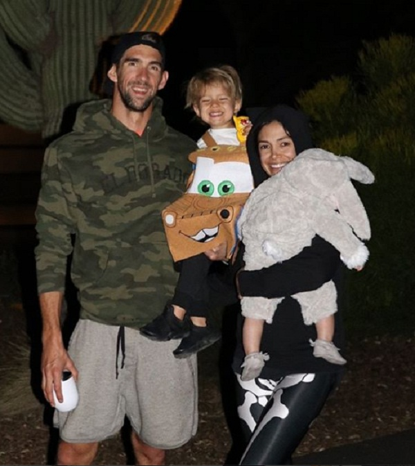 Olympics Gold medals Michael phelps live simple life with wife nicole and 2 kids