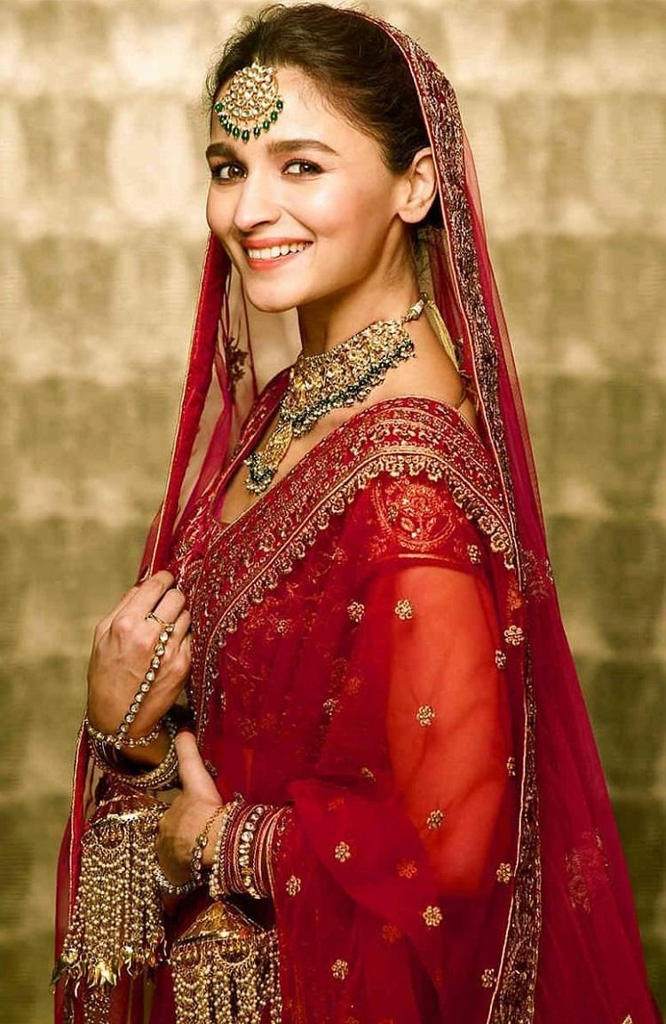 Bollywood Tadka, आलिया भट्ट इमेज, आलिया भट्ट फोटो,आलिया भट्ट पिक्चर, रणबीर कपूर इमेज,रणबीर कपूर फोटो, रणबीर कपूर पिक्चर